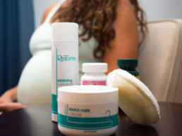 retone stretch mark therapy kit helps to reduce stretch marks after pregnancy